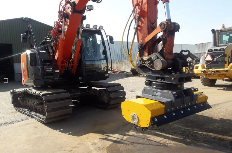 MeriCrusher MC4 Mulcher at a construction site